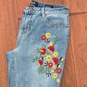 Earl Jean Skinny w BOHO Floral Embroidery, Size 12